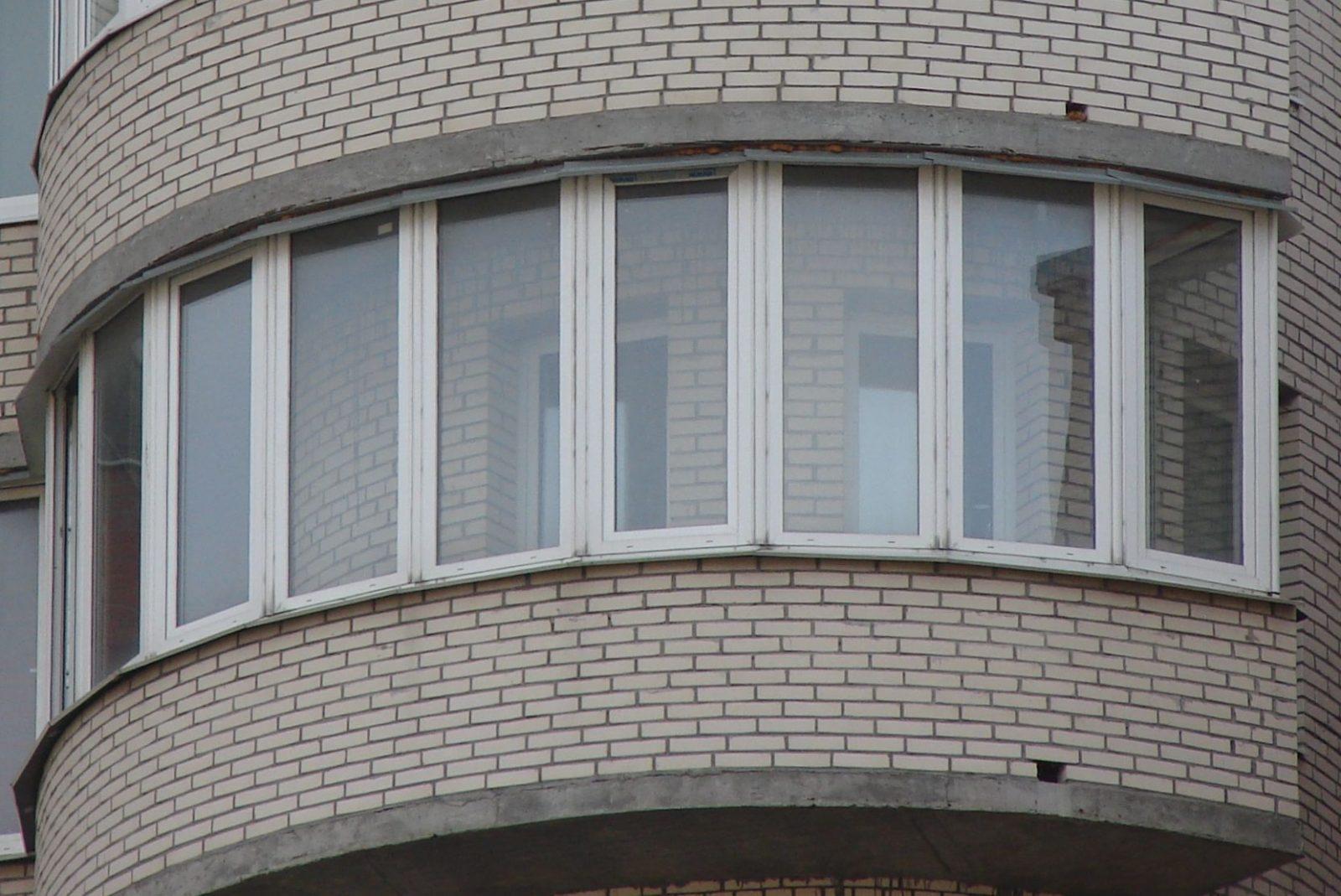 Застеклить балкон в Санкт-Петербурге