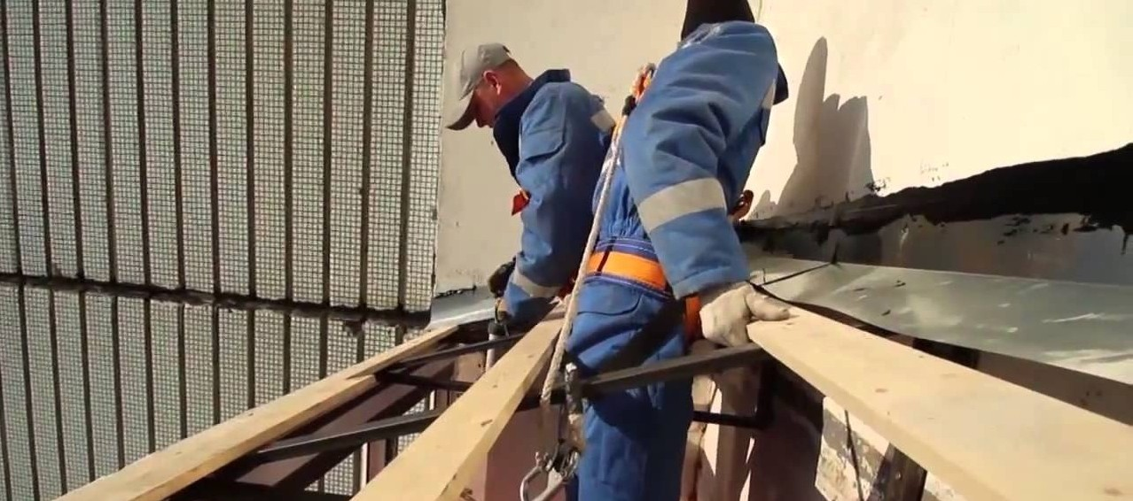 Остекление балконов в Санкт-Петербурге: день монтажа