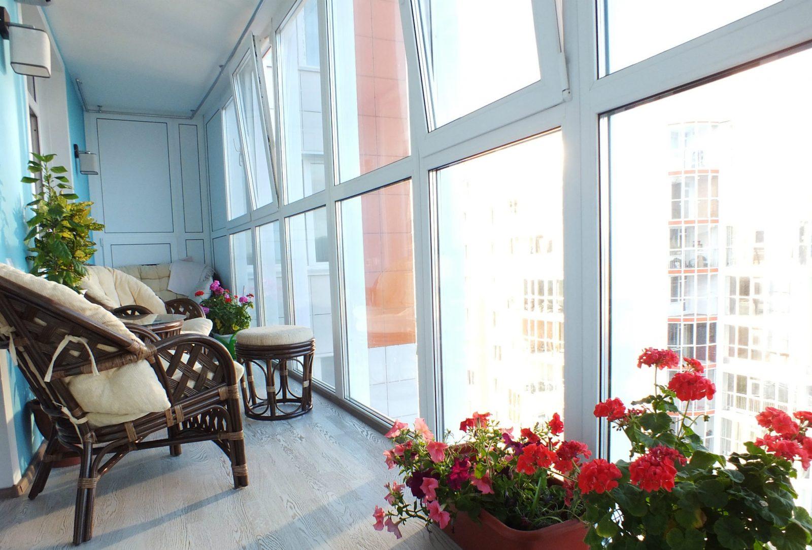 Требуется остекление балкона теплое