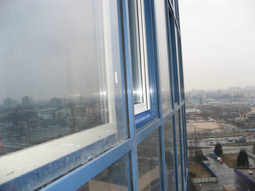 Утепление фасадного остекления балкона дополнительным контуром остекления