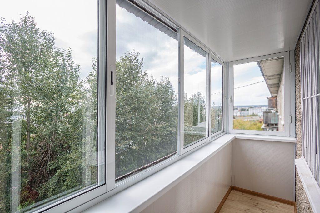 Остекление балконов в типовых домах